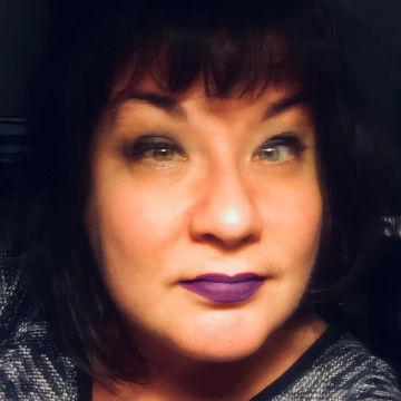 ID: Headshot of April Laramey